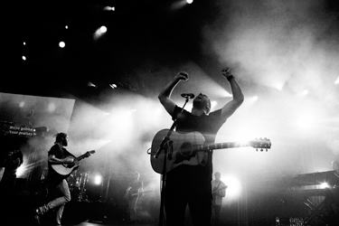 FIUSM Exclusive: Hillsong United concert inspires hundreds